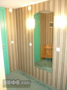 """Отель """"Лучёса"""". Номер Suite Double. Прихожая"""