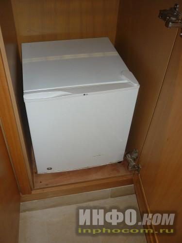 RIU Imperial Marhaba 5*, холодильник-бар в номере standart