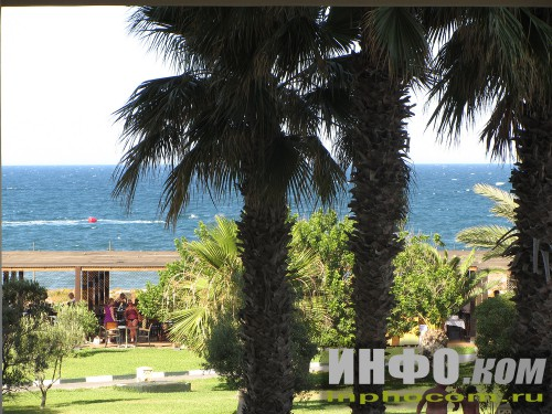 RIU Imperial Marhaba. Вид из отеля на пляжный ресторан