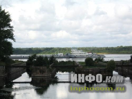 Шлиссельбург, Староладжский канал, баржа