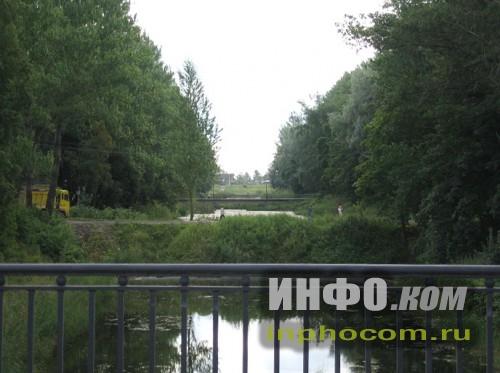 Шлиссельбург,  вид с моста на Староладожский канал