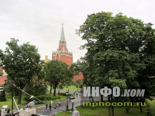 Вид на Кремль из Александровского сада